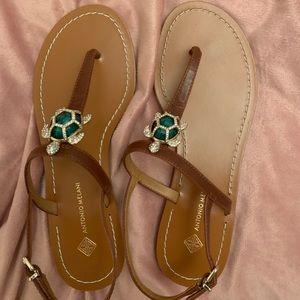 NWT Antonio Melani Crystal Turtle Sandals 7.5